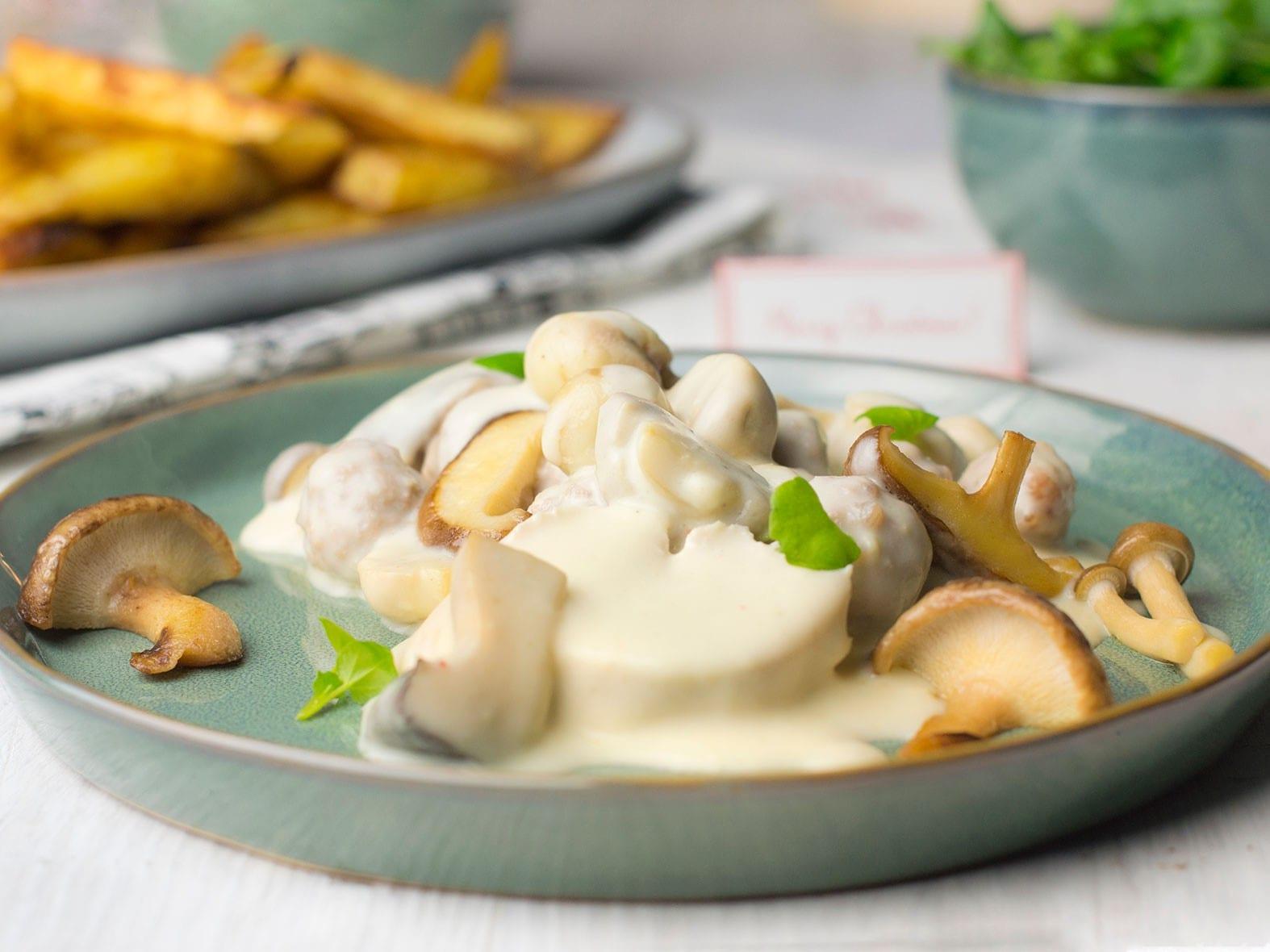 Vol-au-vent, salade et frites au four