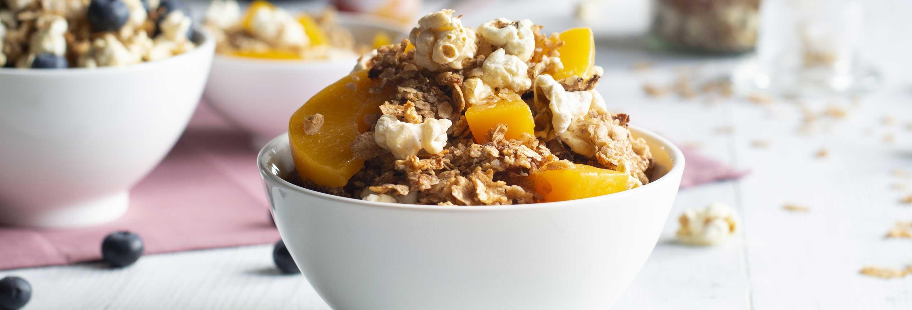 Bol au yaourt, fruits et granola