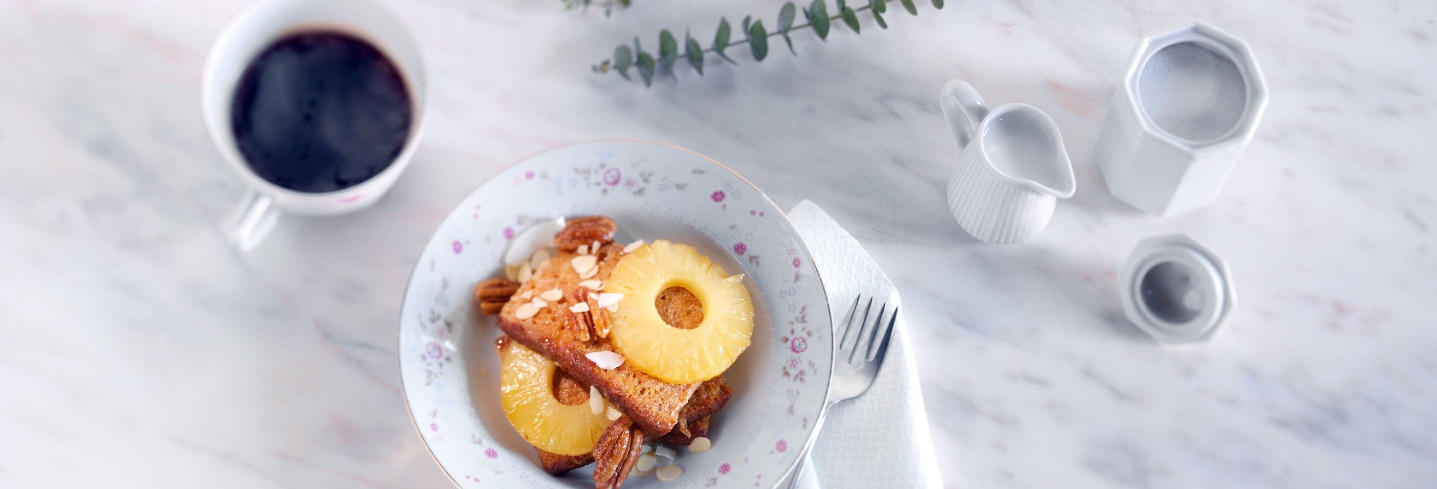 Pain d'épices perdu et ananas rôti